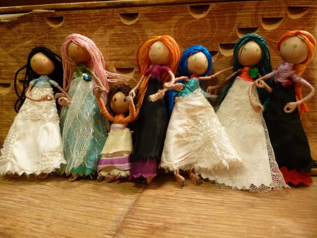 DIY Dollhouse Dolls © Rebecca Rockefeller