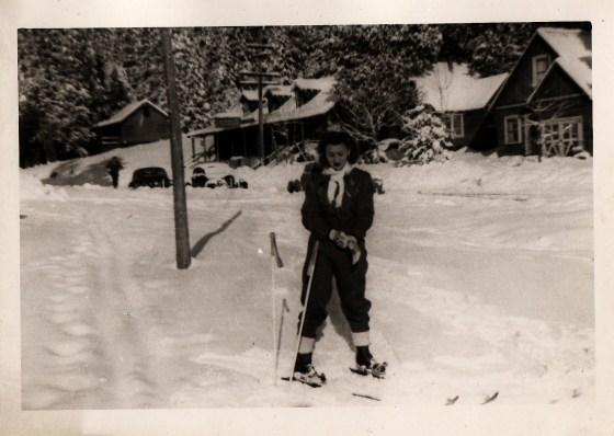 Inge Frankel Skiing Glamorously © Airyka Rockefeller